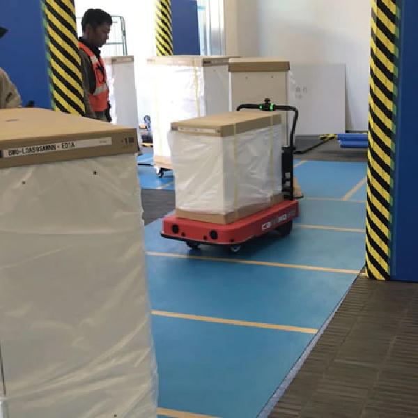 物流支援ロボットCarriRo®、 大手文具メーカーの引っ越し業務で初導入